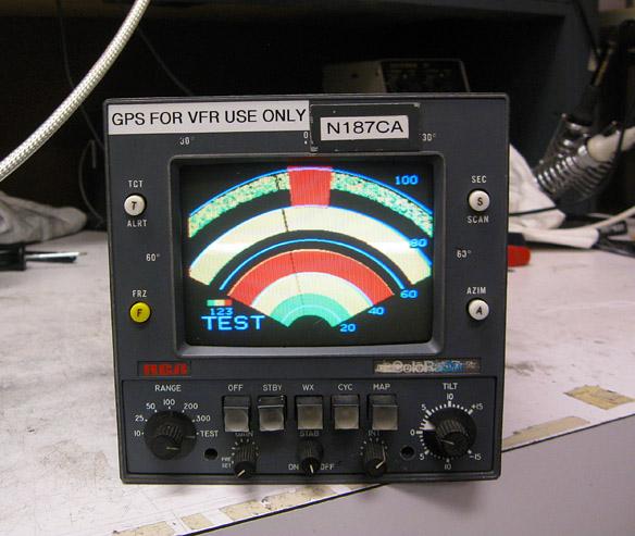 Drabpol, awionika, naprawa radaru w laboratorium - obraz testowy radaru